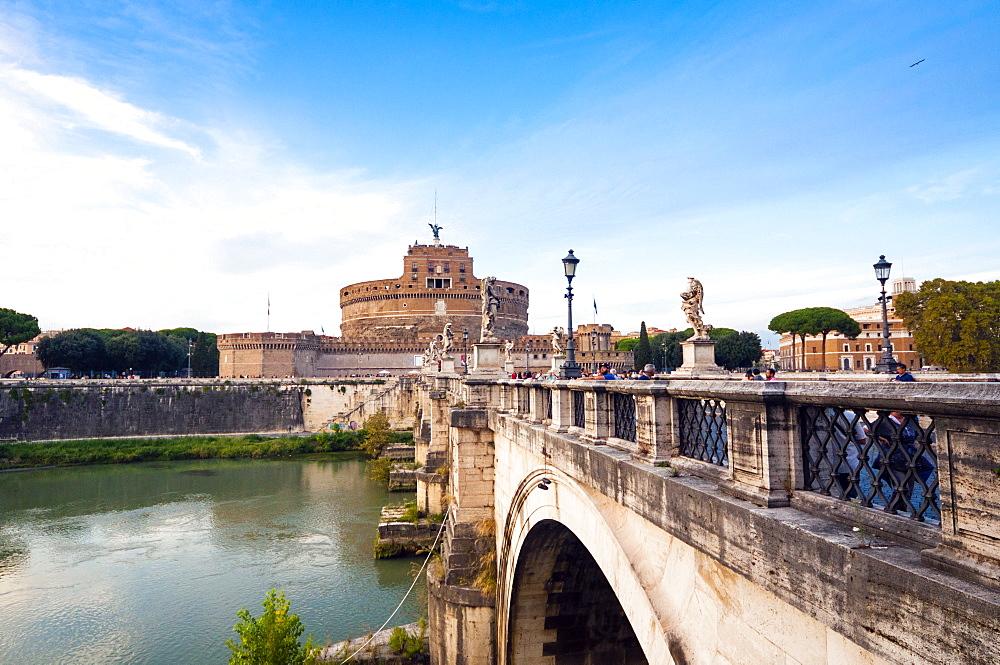 Mausoleum of Hadrian (Castel Sant'Angelo), Ponte Sant'Angelo, Tiber River, UNESCO World Heritage Site, Rome, Lazio, Italy, Europe - 765-1983
