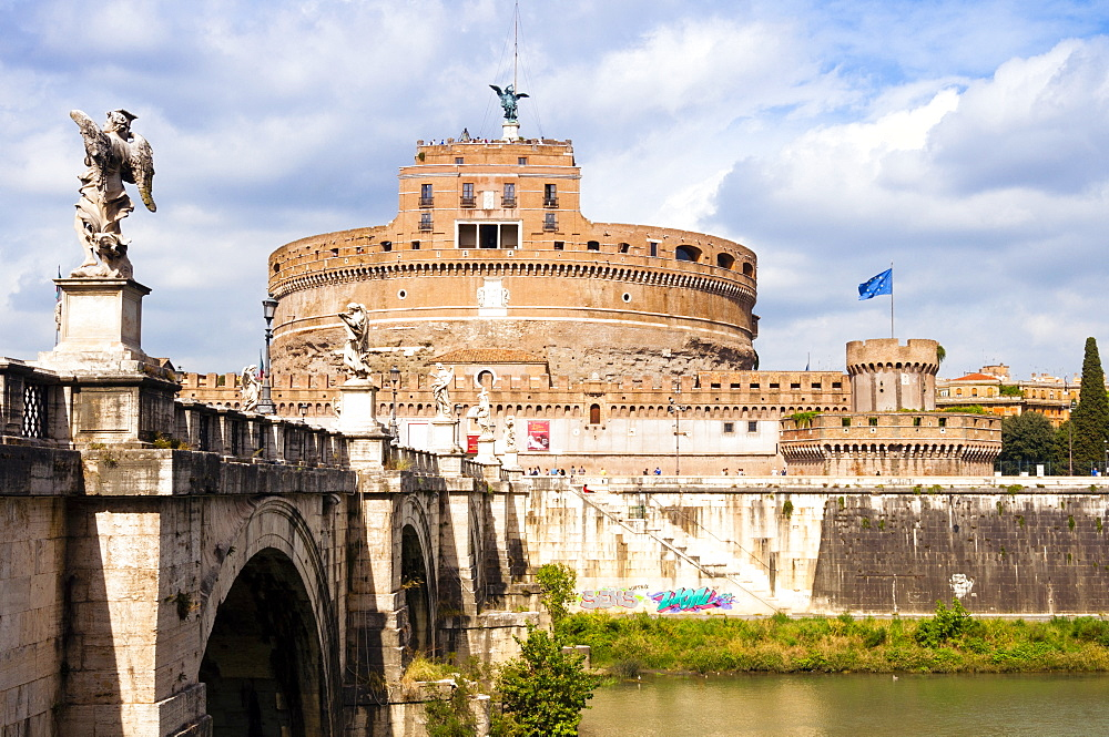 Castel Sant'Angelo, Ponte Sant'Angelo and Tiber River, UNESCO World Heritage Site, Rome, Lazio, Italy, Europe - 765-1991