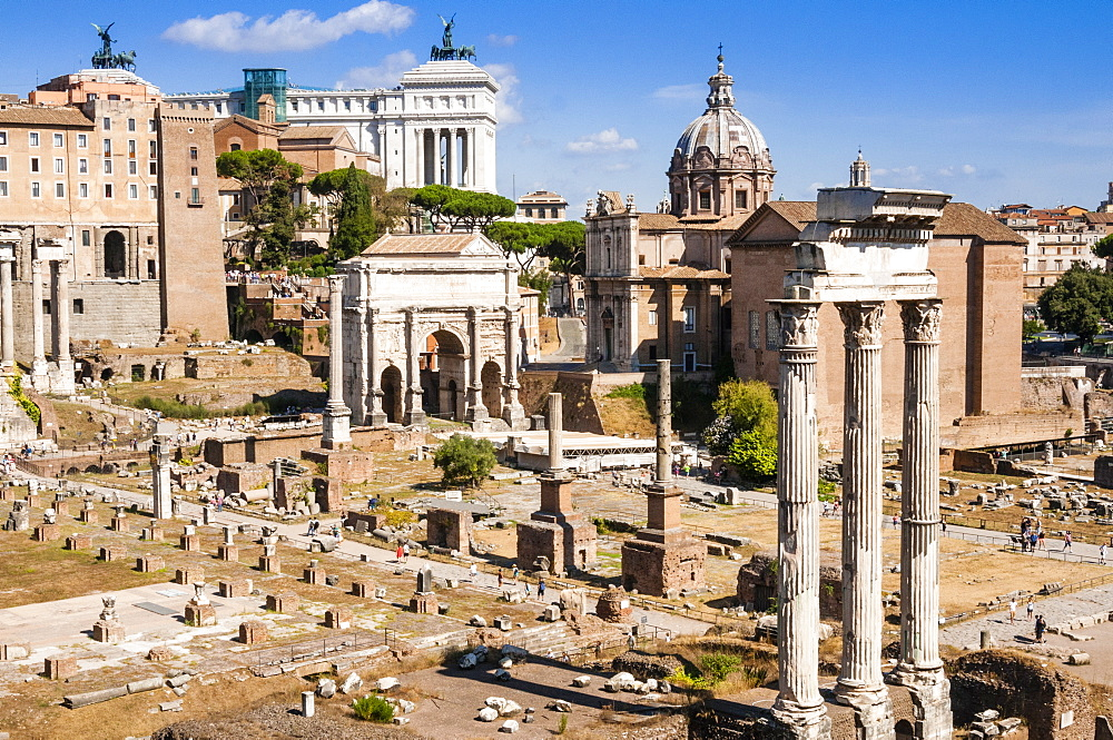 Temple of Castor and Pollux, Arch of Septimius Severus, Roman Forum, UNESCO World Heritage Site, Rome, Lazio, Italy, Europe