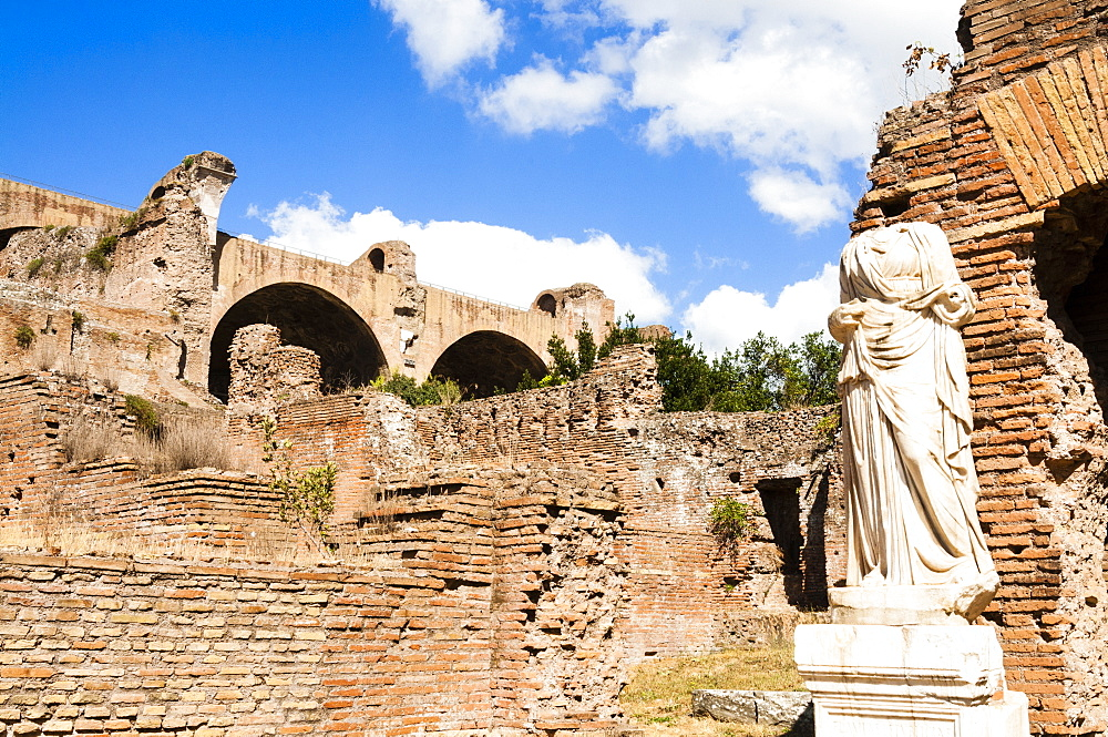 Statue at House of the Vestal Virgins, Roman Forum, UNESCO World Heritage Site, Rome, Lazio, Italy, Europe