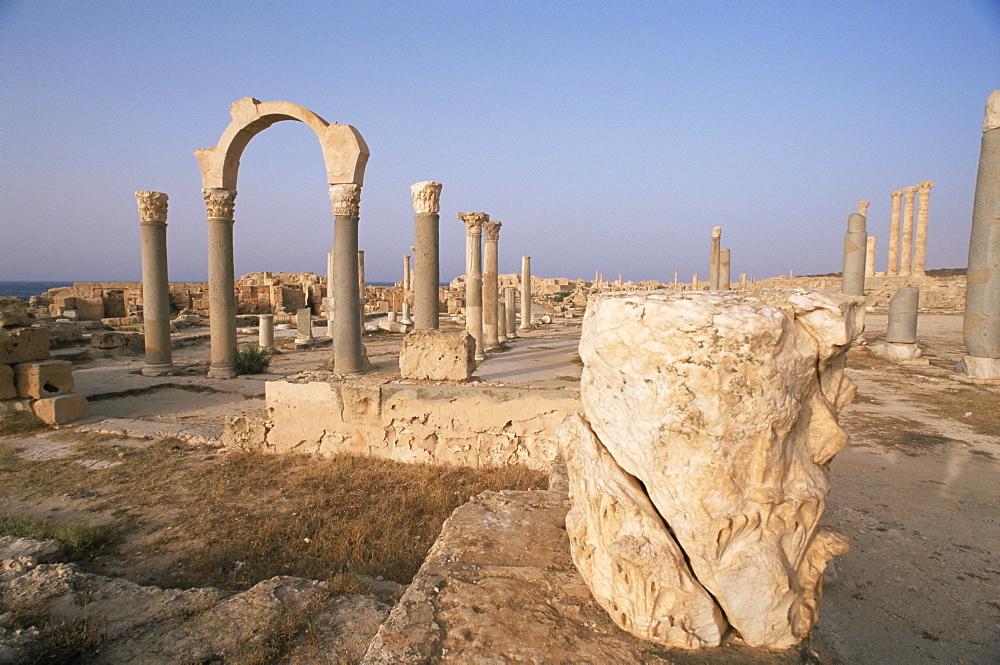 Curia Gate, Sabrata (Sabratha), UNESCO World Heritage Site, Tripolitania, Libya, North Africa, Africa