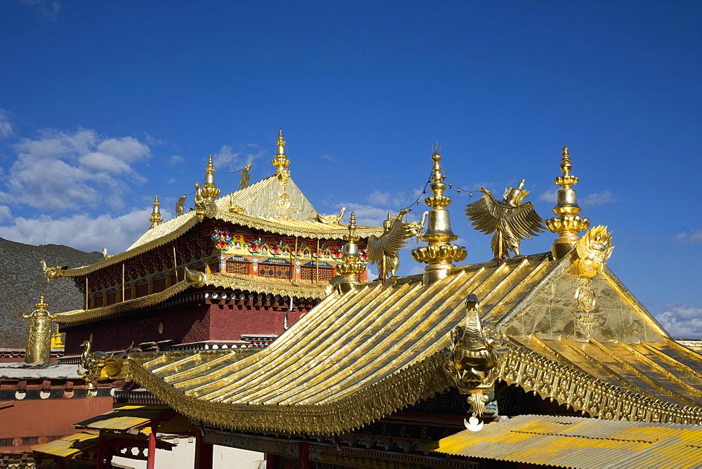 Ganden Sumsteling Gompa (Gandan Sumtseling) (Songzanlin Si) Buddhist Monastery, Shangri-La, formerly Zhongdian, Shangri-La region, Yunnan Province, China, Asia