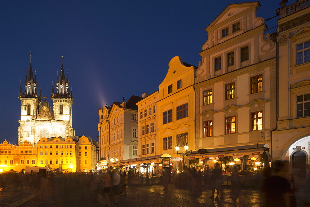 Old Town Square (Staromestske namesti) and Tyn Cathedral (Church of Our Lady Before Tyn), UNESCO World Heritage Site, Prague, Czech Republic, Europe