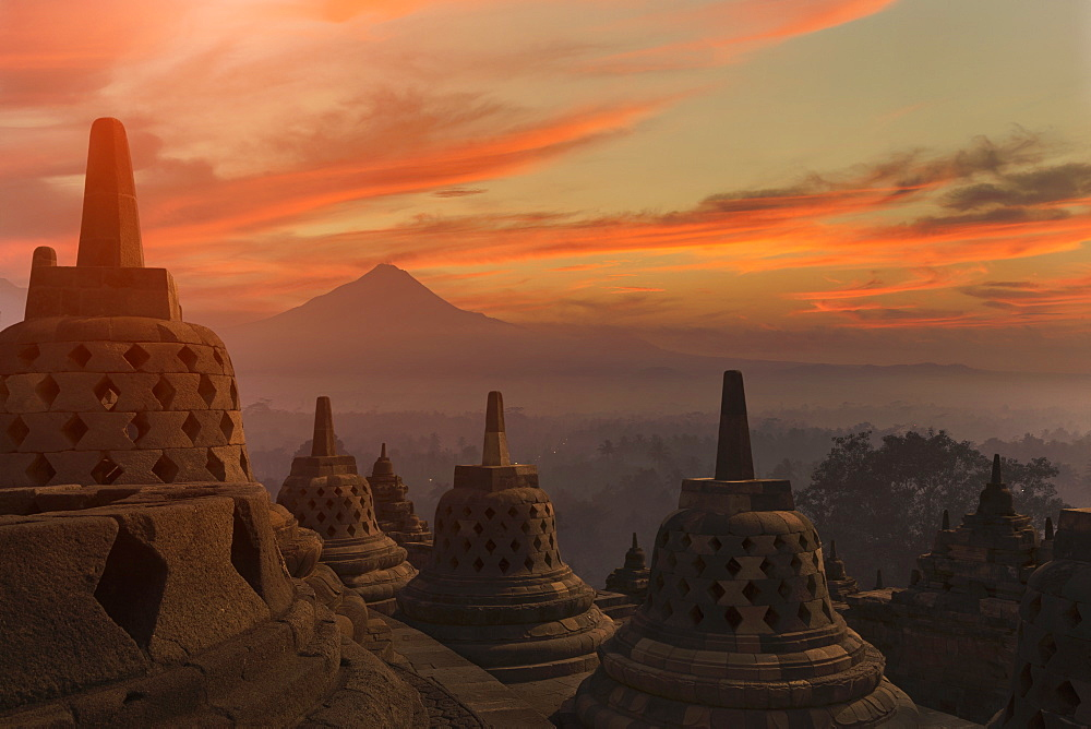 Borobudur Buddhist Temple, UNESCO World Heritage Site, Java, Indonesia, Southeast Asia, Asia - 772-3537