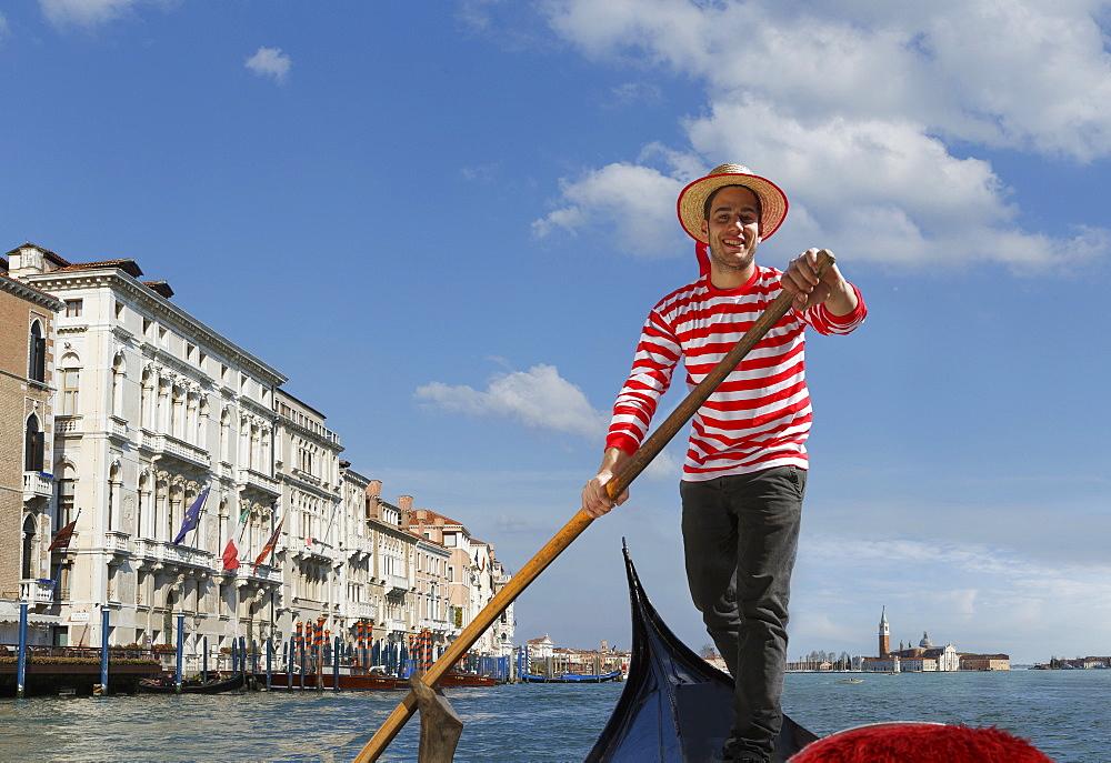 Gondolier, Venice, UNESCO World Heritage Site, Veneto, Italy, Europe - 772-3585