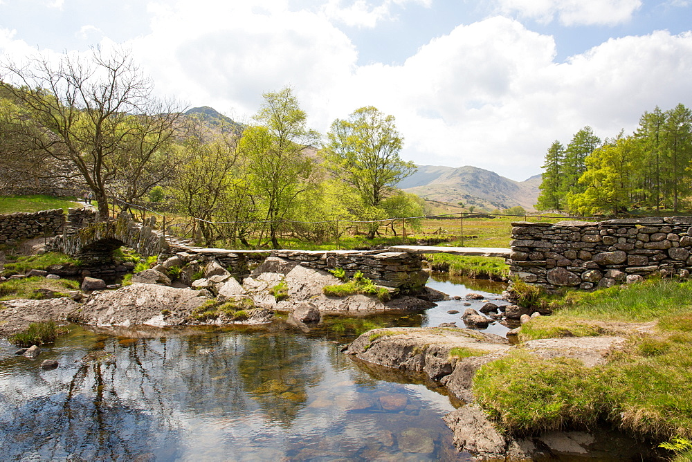 Slater's Bridge, a 17th century packhorse bridge, Little Langdale, Lake District, UNESCO World Heritage Site, Cumbria, England, United Kingdom, Europe - 783-126