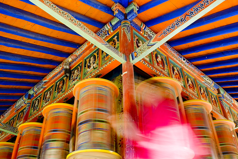 Spinning prayer wheels, Xiahe monastery, Xiahe, Gansu, China, Asia - 784-48