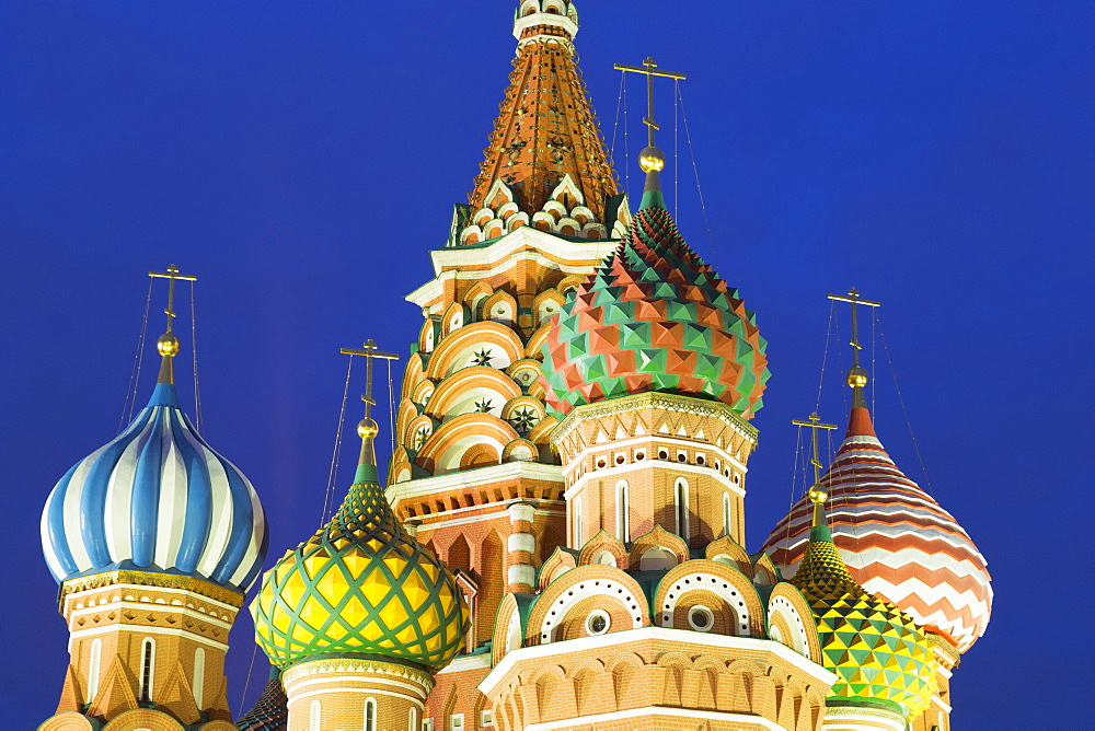 Onion domes of St. Basil's Cathedral in Red Square illuminated at night, UNESCO World Heritage Site, Moscow, Russia, Europe - 785-1774