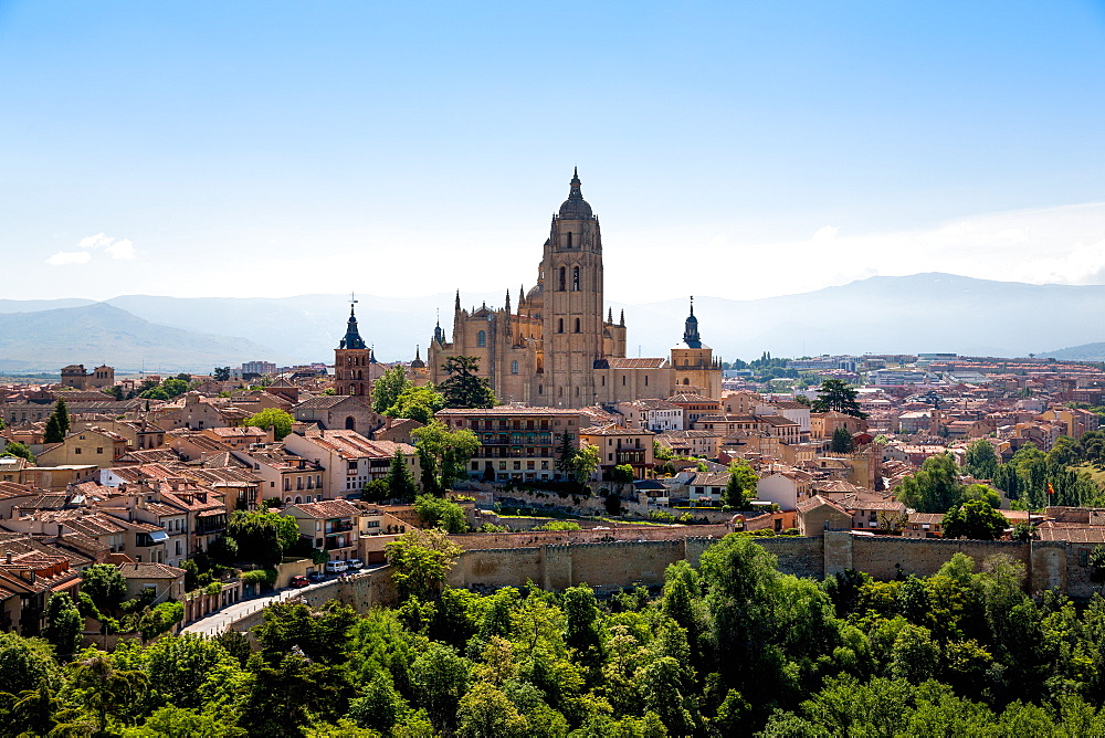 The imposing Gothic Cathedral of Segovia dominates the city, Segovia, Castilla y Leon, Spain, Europe
