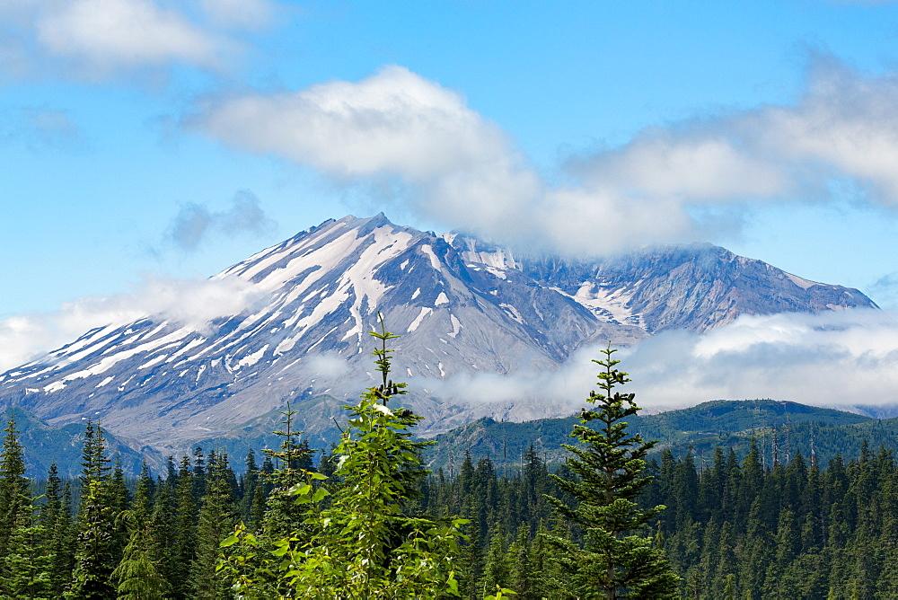 Mount St. Helens, part of the Cascade Range, Pacific Northwest region, Washington State, United States of America, North America - 785-2115