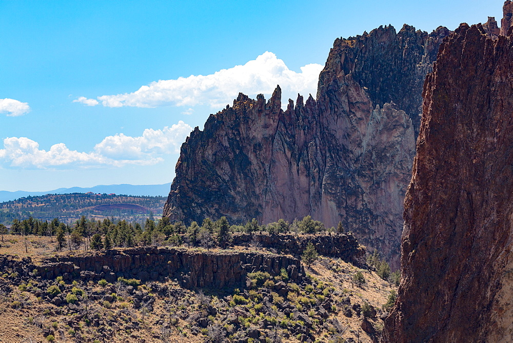 The rugged Smith Rock State Park in central Oregon's High Desert, near Bend, Oregon, United States of America, North America