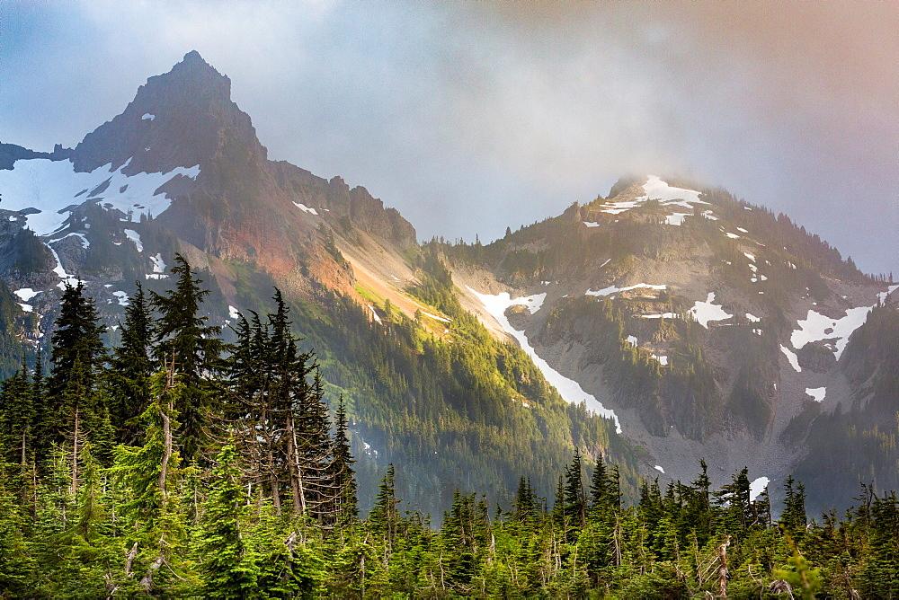Dramatic light on the rugged Tatoosh Range near Mount Rainier, part of the Cascade Range, Pacific Northwest region, Washington State, United States of America, North America - 785-2146