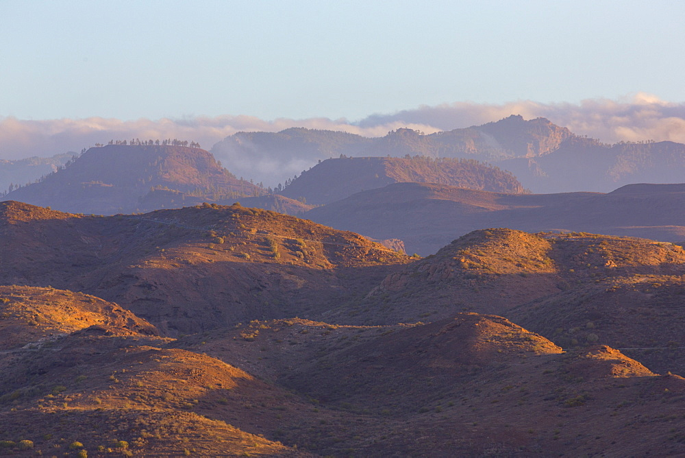 Looking towards the rugged mountains of Parque Natural Pilancones from near Maspalomas, Gran Canaria, Canary Islands, Spain, Atlantic, Europe - 785-2309