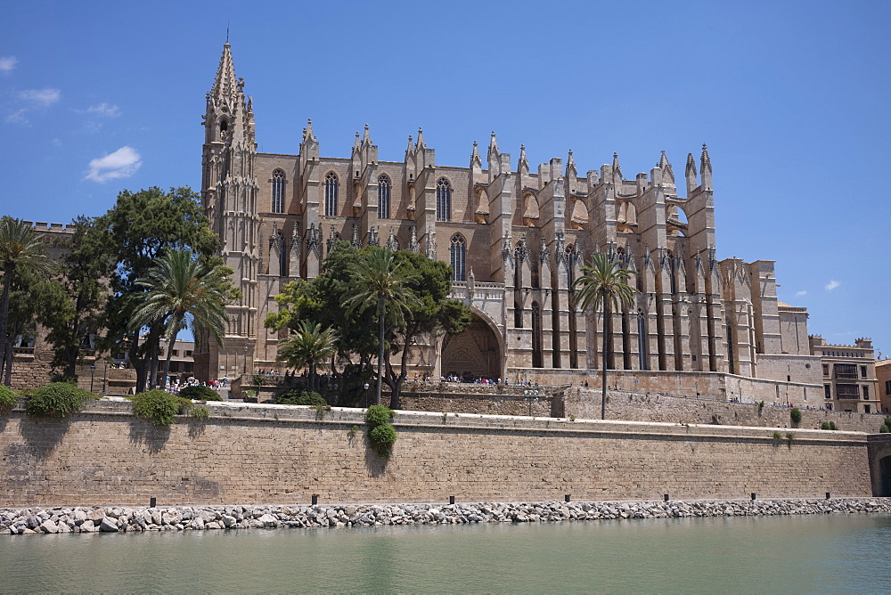 The Gothic Cathedral of Santa Maria of Palma (La Seu) in Palma on the Mediterranean island of Mallorca, Balearic Islands, Spain, Europe