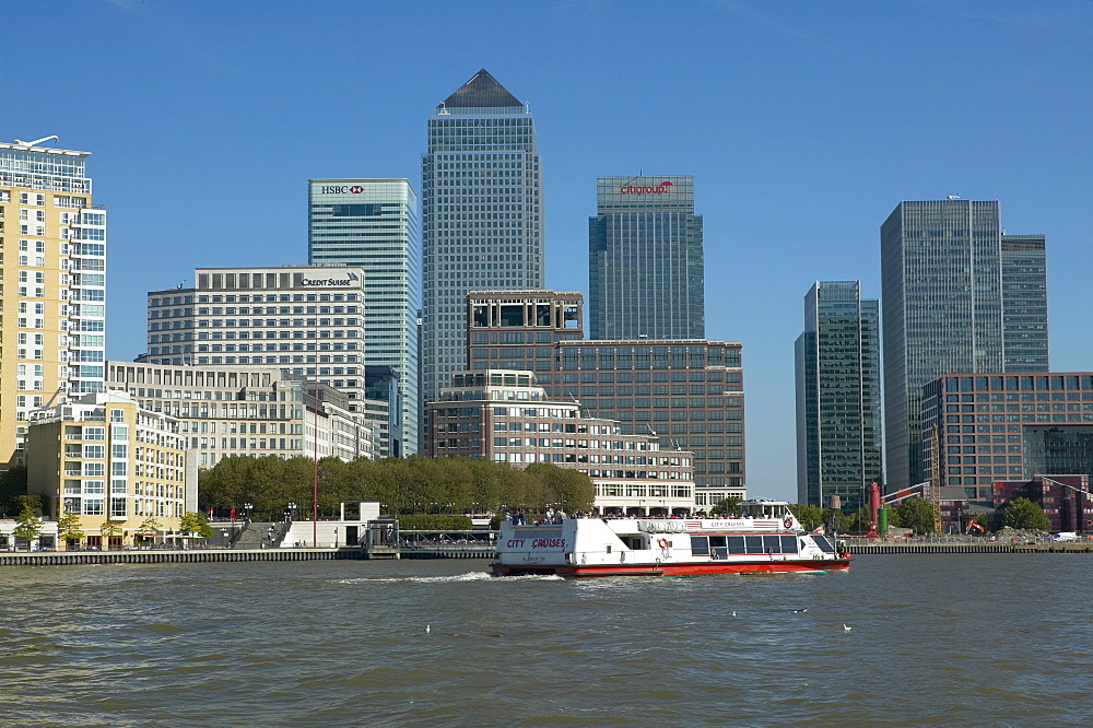 Canary Wharf viewed from Canada Water, Docklands, London, England, United Kingdom, Europe - 790-30
