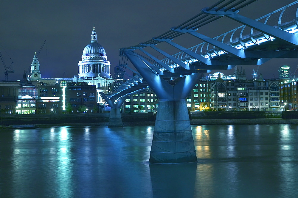 St Paul's Cathedral and the Millennium Bridge, London, England, United Kingdom, Europe - 790-34