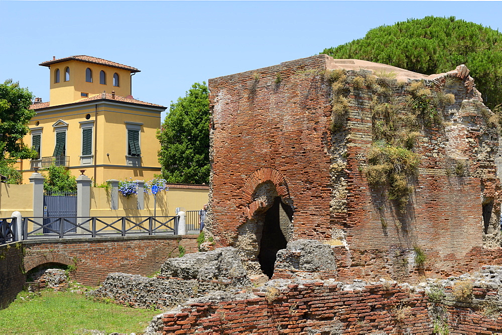 Ruins of Roman Terme di Nerone thermal baths at Largo Parlascio Square, Pisa, Tuscany (Toscana), Italy, Europe