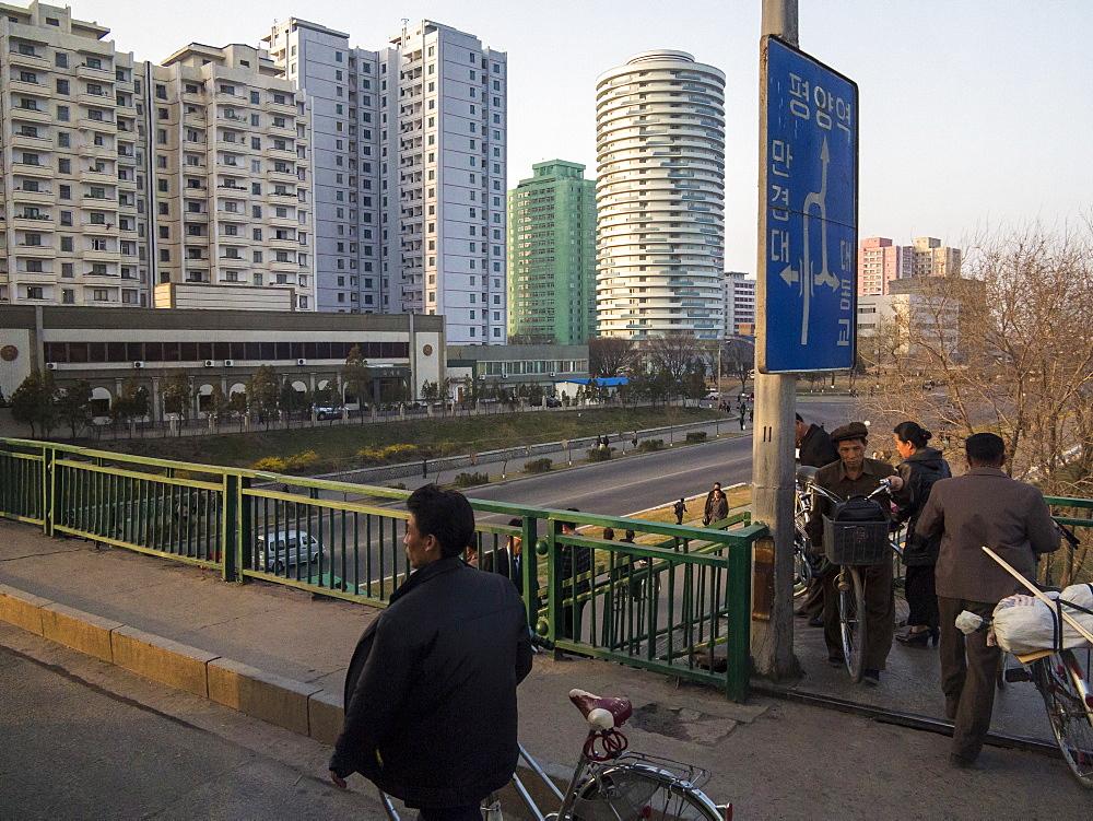 Typical street scene in the capital, Pyongyang, Democratic People's Republic of Korea (DPRK), North Korea, Asia