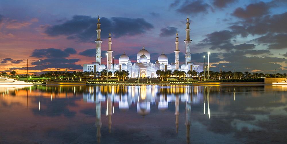 Sheikh Zayed Bin Sultan Al Nahyan Mosque, Abu Dhabi, United Arab Emirates, UAE