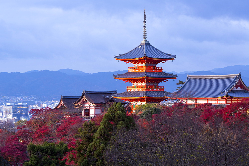 Japan, Honshu, Kyoto, Kiyomizu-dera temple, classified as World Heritage by UNESCO - 794-4492