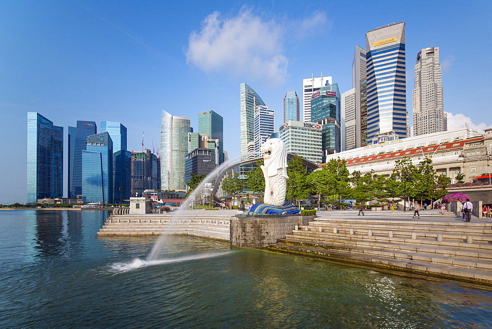 The Merlion Statue with the city skyline in the background, Marina Bay, Singapore, Southeast Asia, Asia