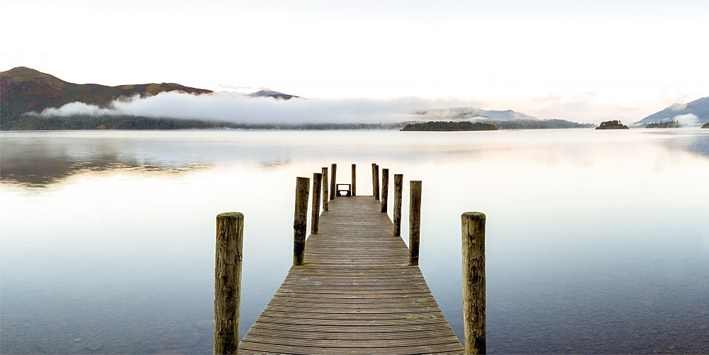 United Kingdom, England, Cumbria, Lake District National Park, Derwent Water, Wooden jetty at Barrow Bay landing - 794-4562