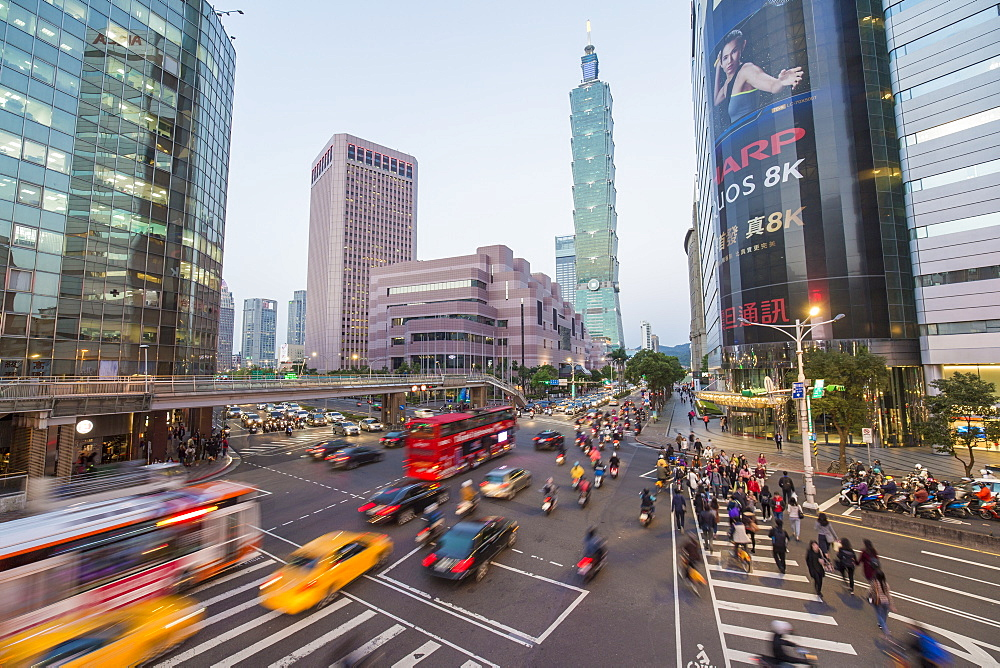 Traffic in front of Taipei 101 at a busy downtown intersection in the Xinyi district, Taipei, Taiwan, Asia - 794-4573