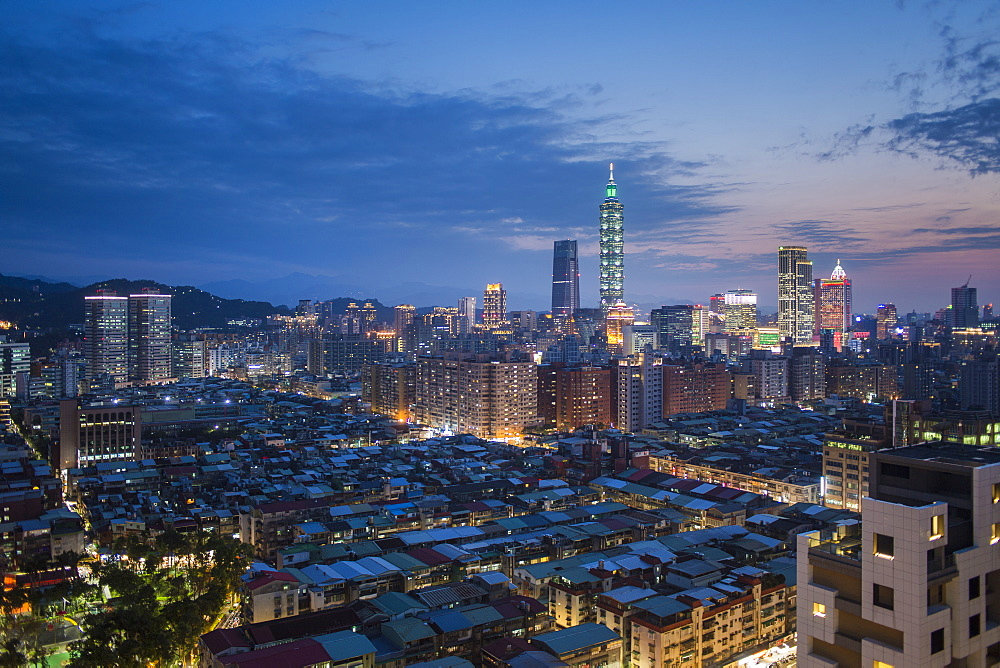 City skyline and Taipei 101 building, Taipei, Taiwan, Asia - 794-4580