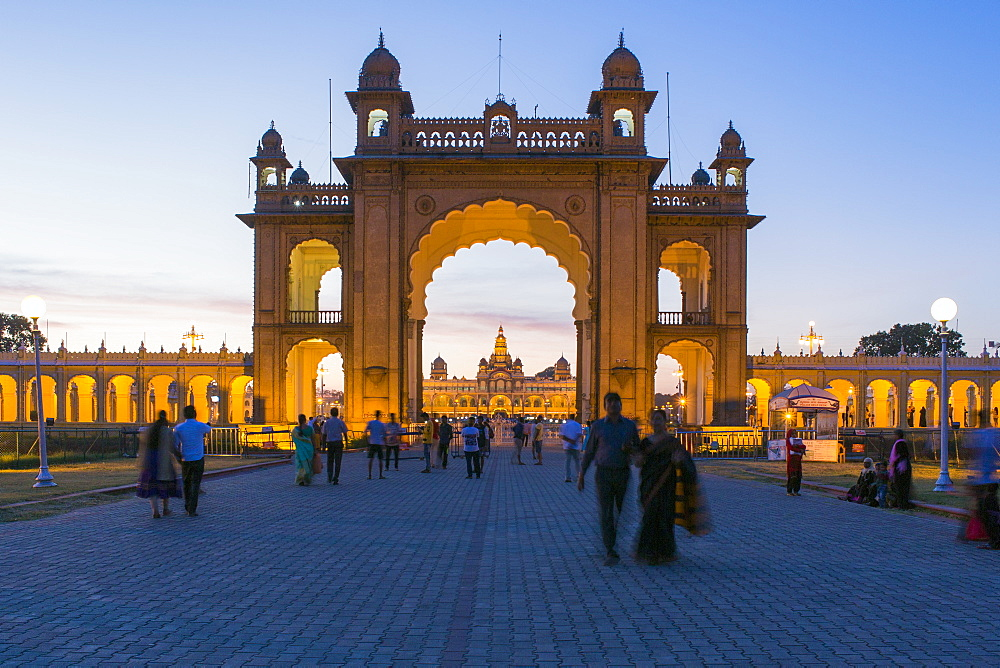 City Palace, entrance gateway to the Maharaja's Palace, Mysore, Karnataka, India, Asia - 794-4587