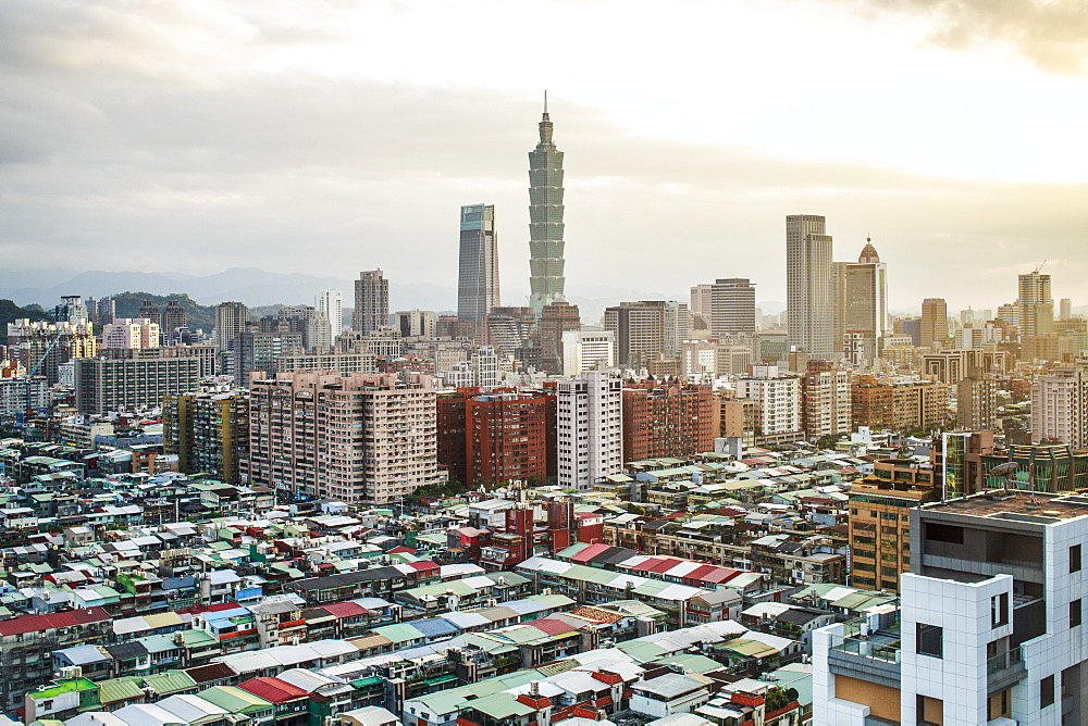 City skyline and Taipei 101 building, Taipei, Taiwan, Asia - 794-4589