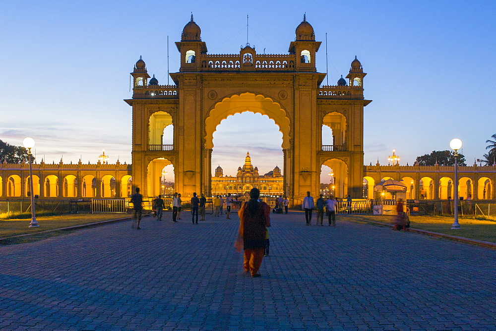 City Palace, entrance gateway to the Maharaja's Palace, Mysore, Karnataka, India, Asia - 794-4590