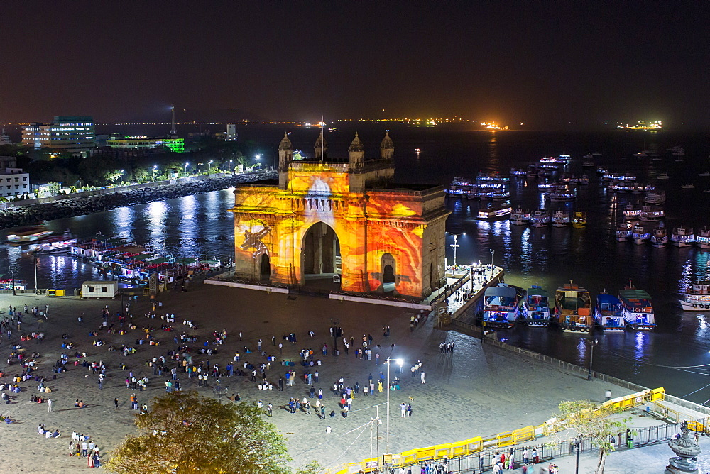 The Gateway of India, monument commemorating the landing of King George V and Queen Mary in 1911, Mumbai, Maharashtra, India, Asia - 794-4600