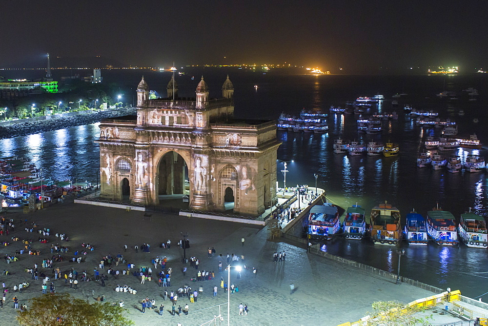 The Gateway of India, monument commemorating the landing of King George V and Queen Mary in 1911, Mumbai, Maharashtra, India, Asia - 794-4602