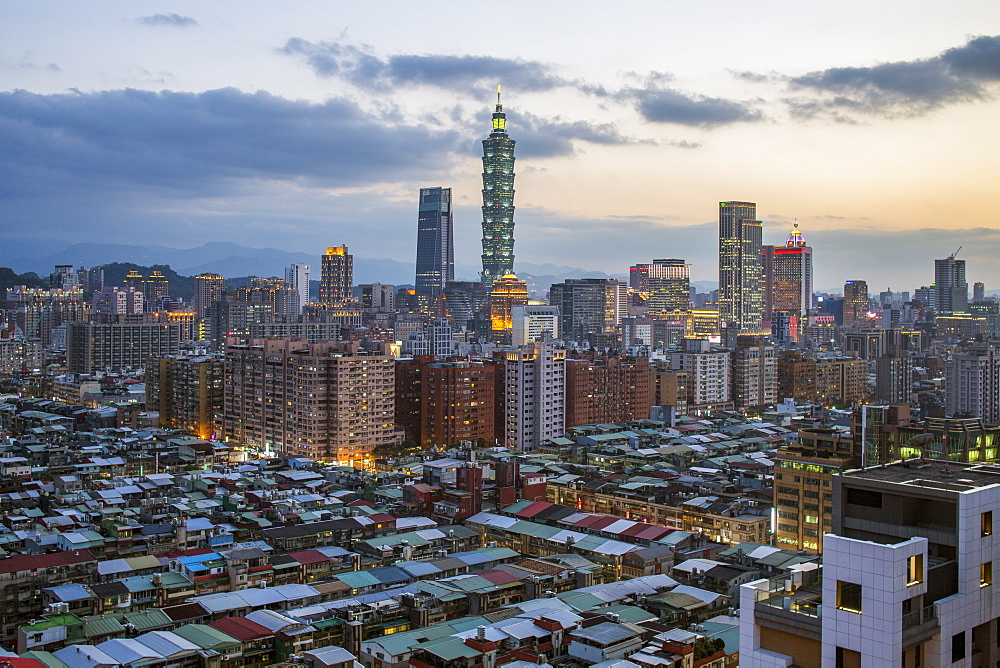 City skyline and Taipei 101 building, Taipei, Taiwan, Asia - 794-4603