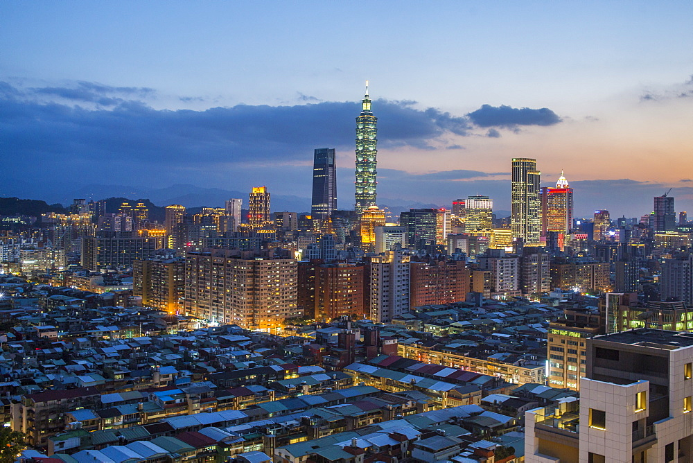 City skyline and Taipei 101 building, Taipei, Taiwan, Asia - 794-4605