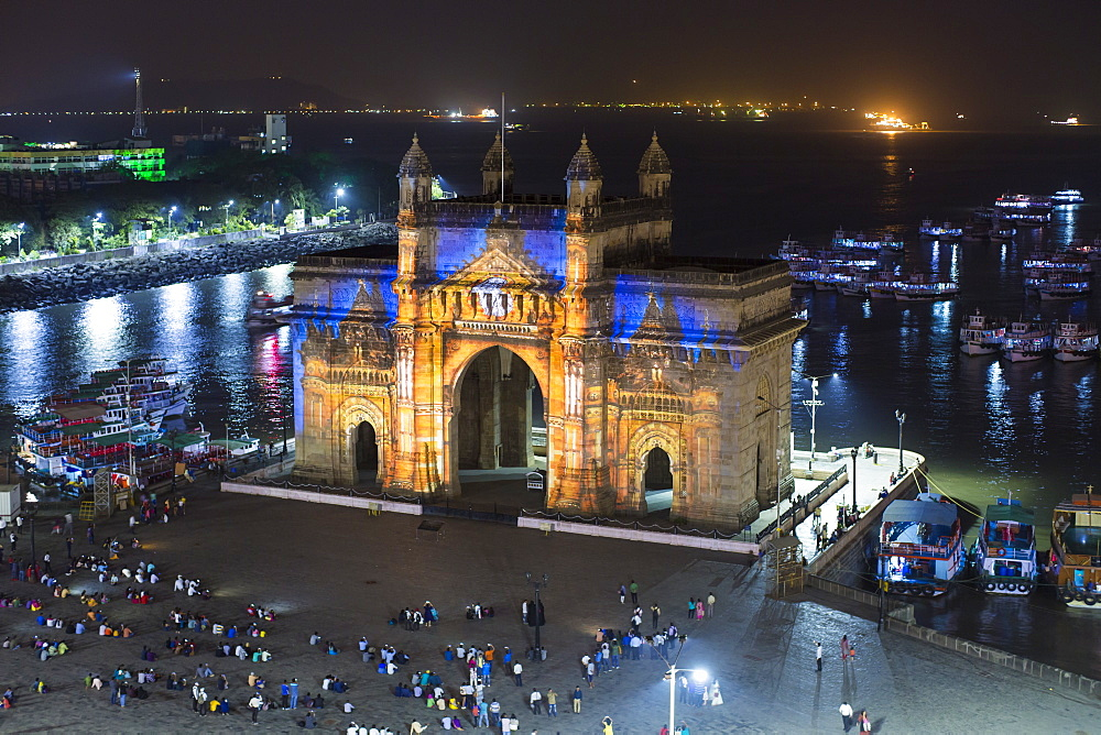 The Gateway of India, monument commemorating the landing of King George V and Queen Mary in 1911, Mumbai, Maharashtra, India, Asia - 794-4627