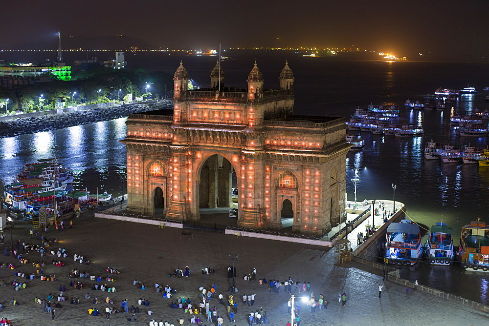 The Gateway of India, monument commemorating the landing of King George V and Queen Mary in 1911, Mumbai, Maharashtra, India, Asia - 794-4629