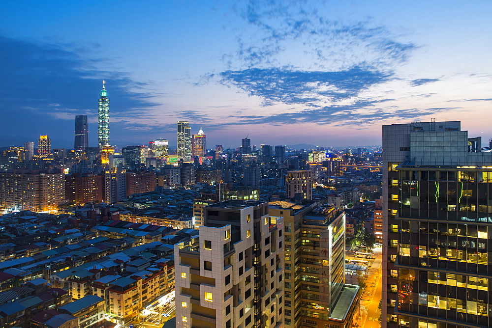 City skyline and Taipei 101 building, Taipei, Taiwan, Asia - 794-4638