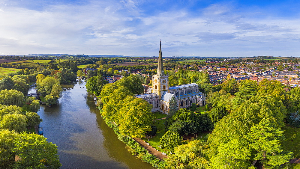 The Church of the Holy Trinity, where Shakesphere is buried, River Avon, Stratford-upon-Avon, Warwickshire, England, United Kingdom, Europe