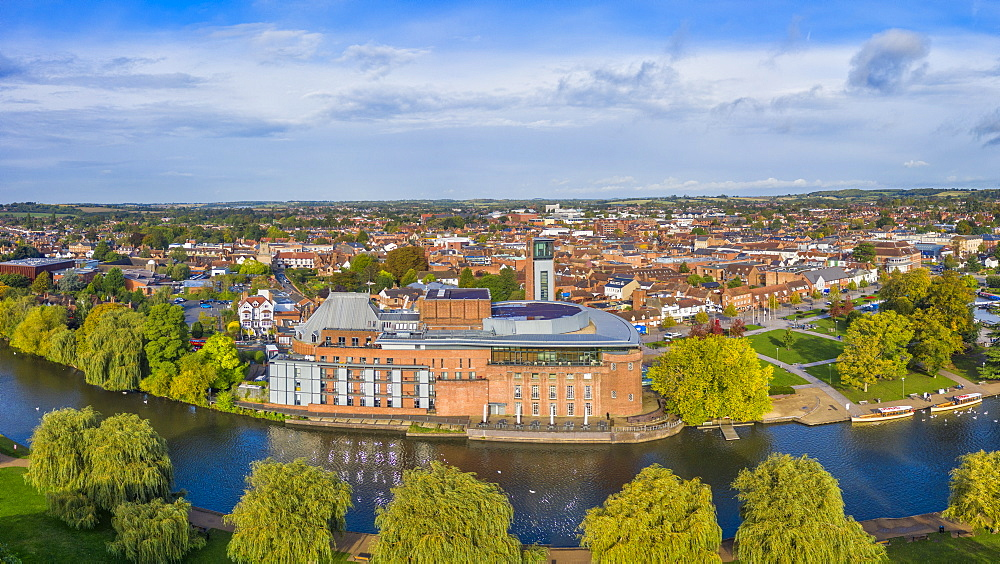 The Royal Shakesphere Theatre and Swan Theatre on the River Avon, Stratford-upon-Avon, Warwickshire, England, United Kingdom, Europe