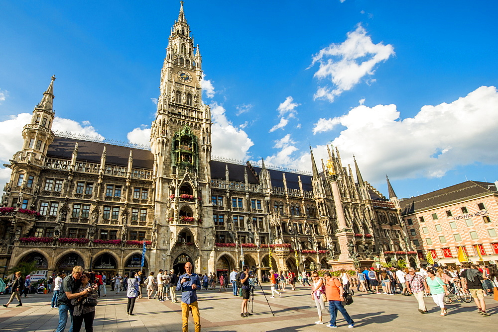 New Town Hall on the Marienplatz (Mary's Square), Munich, Bavaria, Germany, Europe - 796-2539