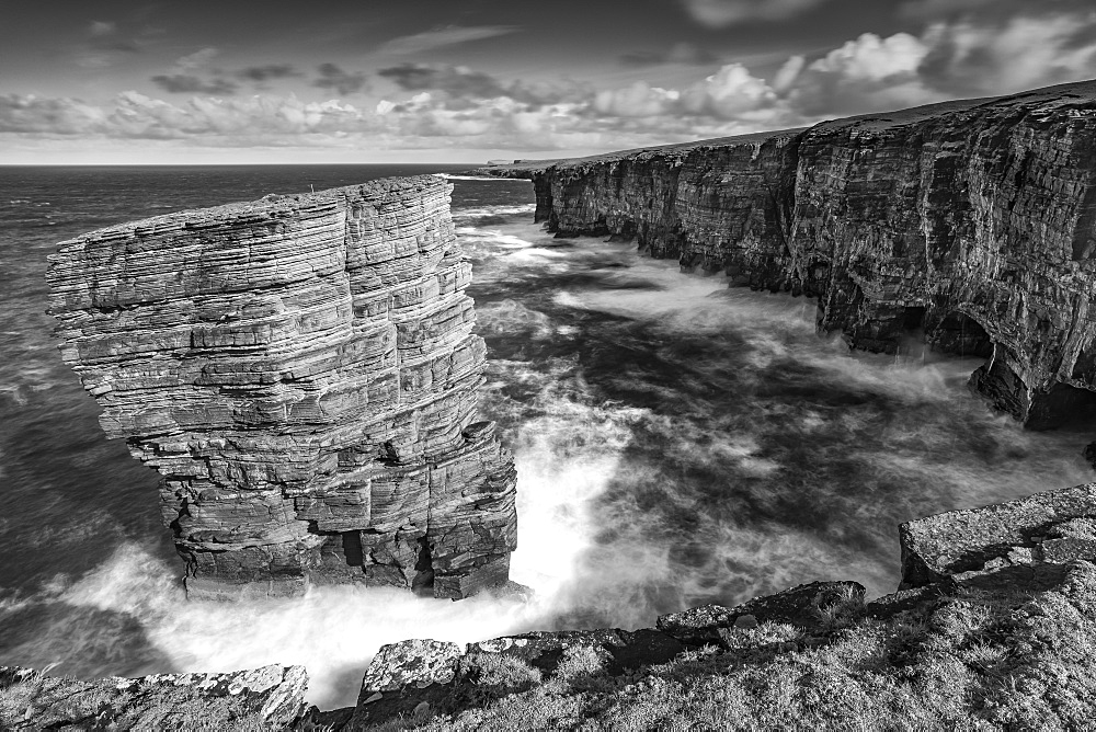 North Gaulton Castle sea stack on the wild west coast of Mainland, Orkney, Scotland, United Kingdom, Europe