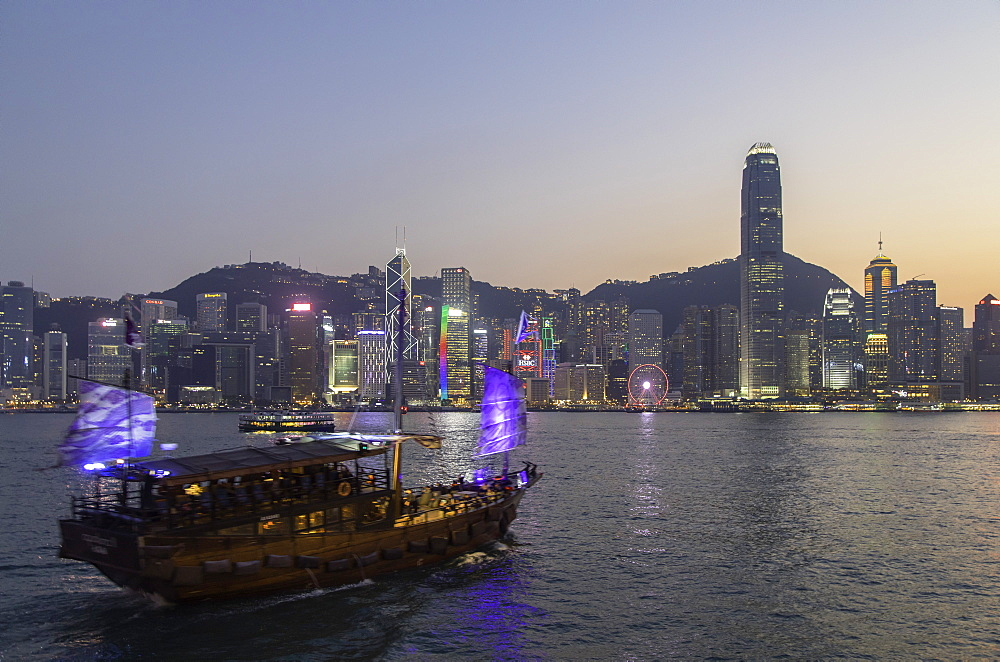 Junk boat in Victoria Harbour at dusk, Hong Kong Island, Hong Kong, China, Asia - 800-3443