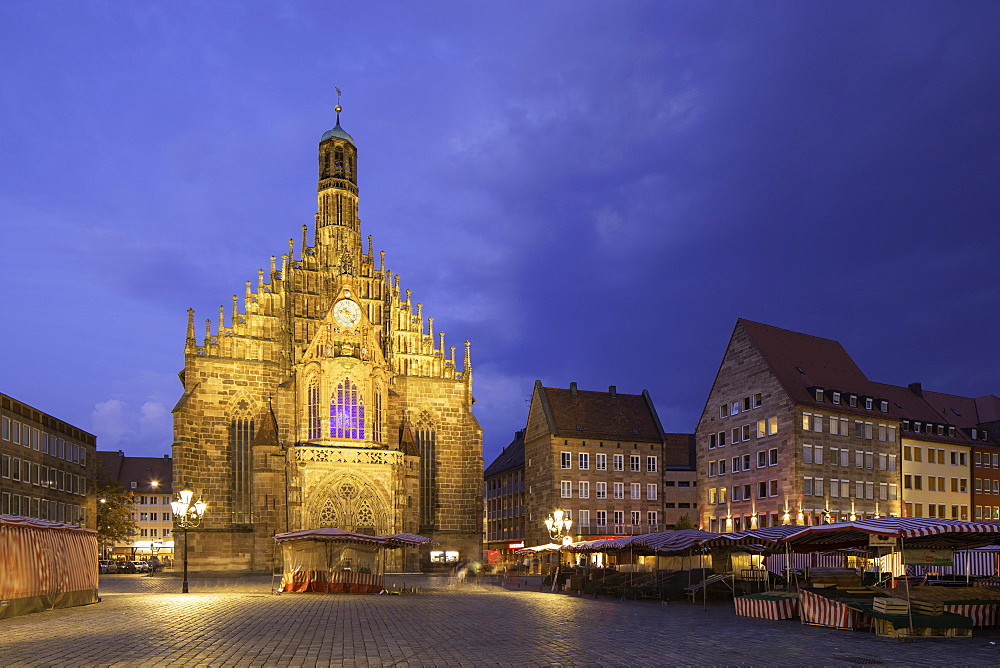 Frauenkirche in Main Market Square at dusk, Nuremberg, Bavaria, Germany, Europe - 800-3593