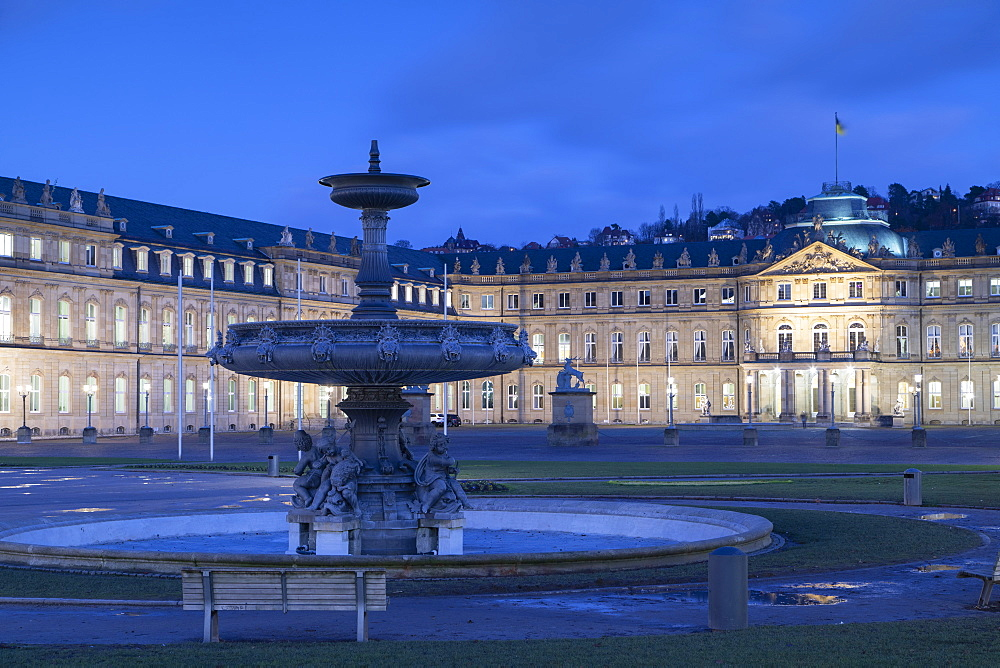 Schlossplatz (Castle Square ) and Neues Schloss (New Castle) at dusk, Stuttgart, Baden-Württemberg, Germany