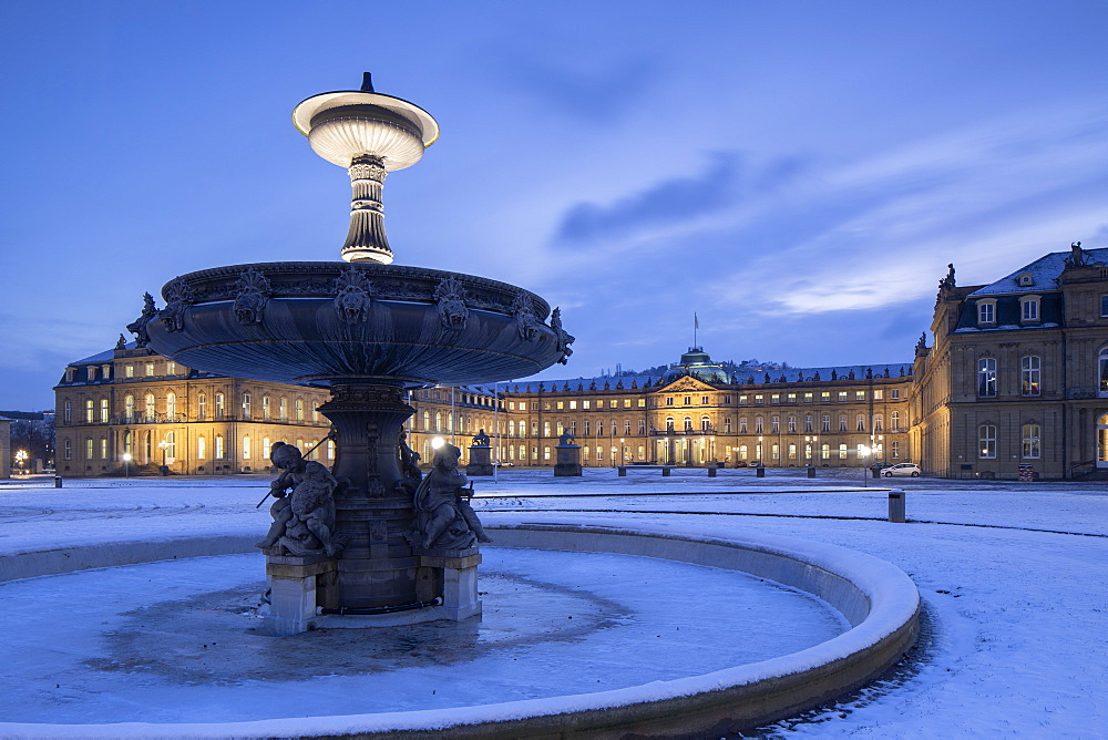 Schlossplatz (Castle Square ) and Neues Schloss (New Castle) at dawn, Stuttgart, Baden-Württemberg, Germany
