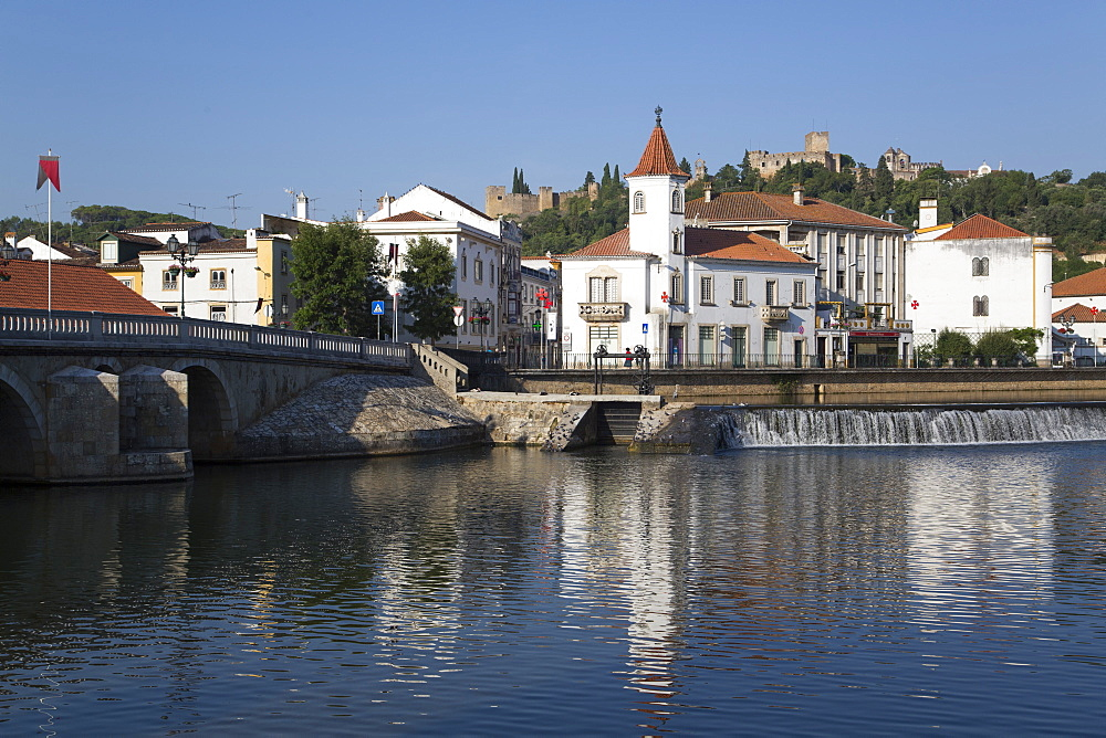Roman Bridge (foreground); Casa Viera Guimaraes (background); Tomar; Portugal