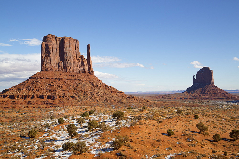 West Mitten Butte on left and East Mitten Butte on right, Monument Valley Navajo Tribal Park, Utah, United States of America, North America