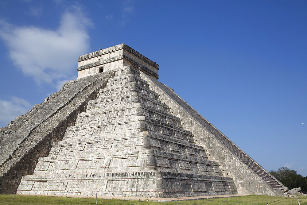 El Castillo, Chichen Itza, UNESCO World Heritage Site, Yucatan, Mexico, North America