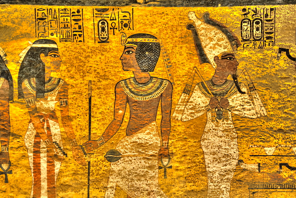 King Tut  in centre, Tomb of Tutankhamun, KV62, Valley of the Kings, UNESCO World Heritage Site, Luxor, Thebes, Egypt, North Africa, Africa